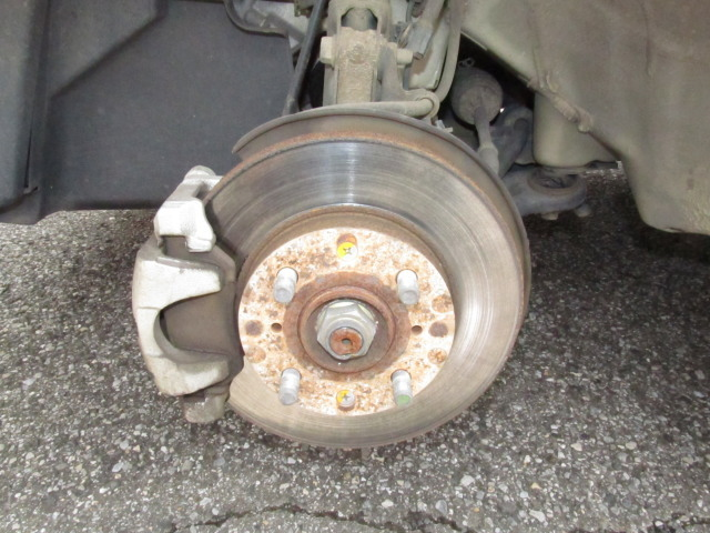 パンタジャッキ(車載工具)でタイヤのローテーションをする